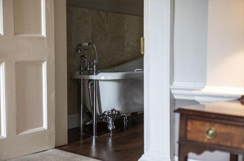 Rosette Bathroom